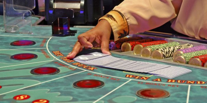 How to Play Baccarat Games at a Casino